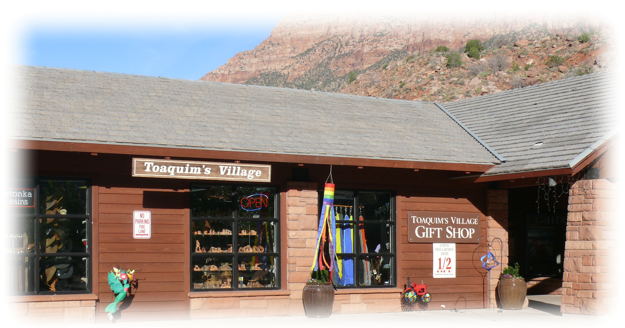 Toaquim's Gifts & Gear | Zion Canyon Village